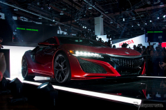 【デトロイトモーターショー15】ホンダ NSXの発売は2015年中、価格は1800万円(レスポンス)の画像