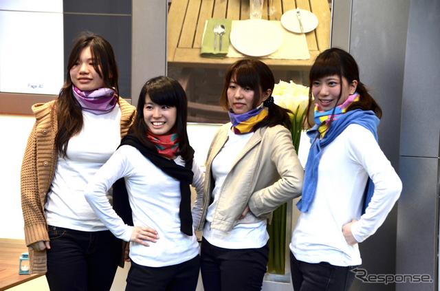 BMWと女子大生がコラボ…BMW Motorradイメージしスカーフをデザイン《撮影  青木タカオ》