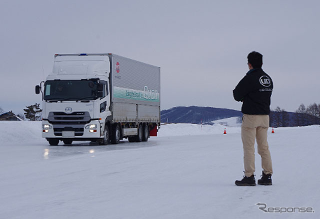UDトラックス・寒冷地試験の様子