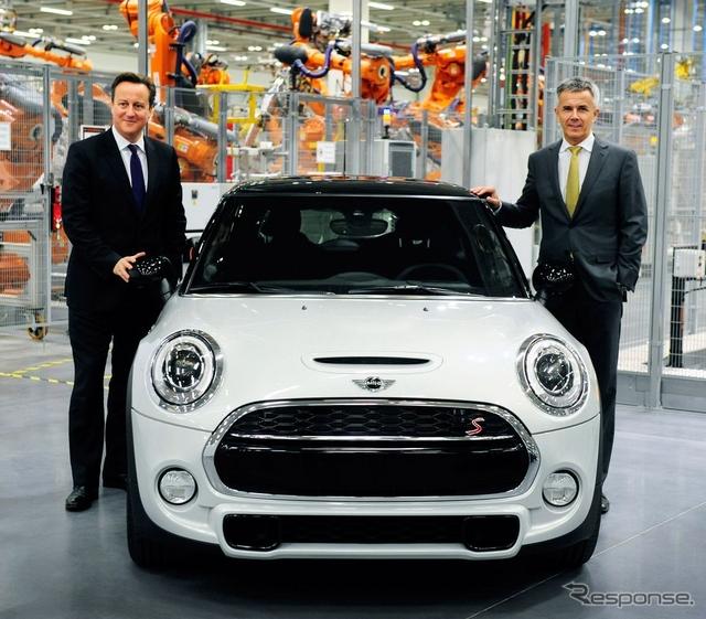 英国オックスフォード工場で生産される新型MINIハッチバック