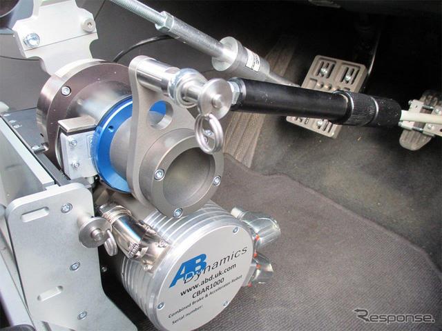 英ABダイナミクス社 汎用ペダルロボット CABR1000
