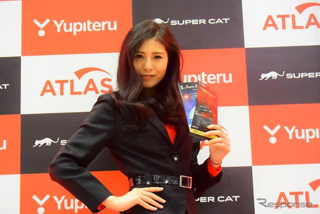 ユピテル コンパニオン(東京モーターサイクルショー15)《撮影 阿部哲也》