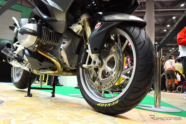 ダンロップ スポーツマックス ロードスマート3(東京モーターサイクルショー15)《撮影 阿部哲也》