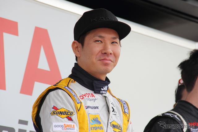 モータースポーツジャパン2015に来場した小林可夢偉《撮影 吉田知弘》