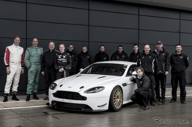 24時間耐久レースに参戦するアストンマーティン の アンディ・パーマー CEO
