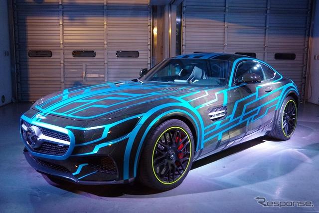 『ネクストライドロン』として劇場版仮面ライダードライブに登場するメルセデス AMG GT《撮影 宮崎壮人》