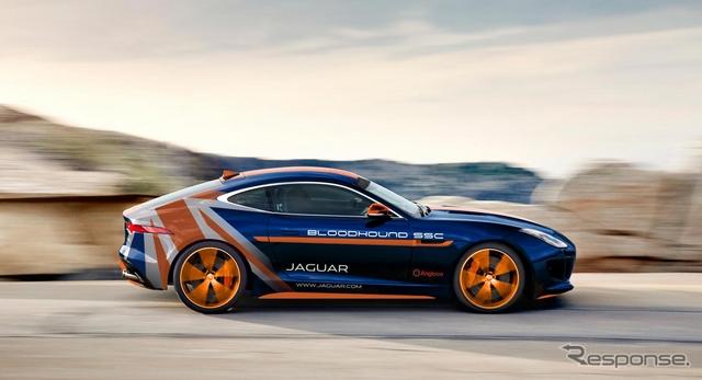 ジャガー FタイプRの世界最高速記録挑戦サポートカー