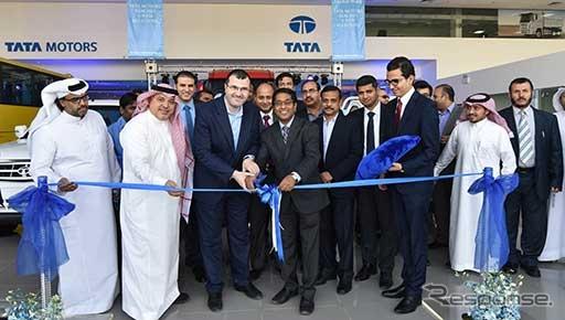 タタがサウジアラビアの首都のリヤドに開業した旗艦店とサービス施設