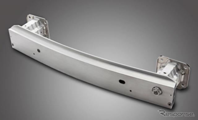 新型ロードスターに採用されたアルミニウム製軽量バンパーアセンブリー