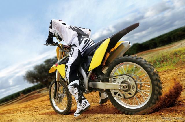 【スズキ RM-Z250 試乗】スタートダッシュでレースを有利に戦える…青木タカオ《画像 スズキ》