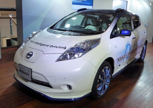 日産が公開した「リーフ」ベースの自動運転走行のための新実験車