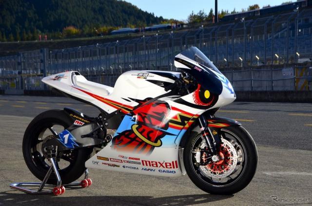 2015マン島TTレース TT Zero Challengeクラス優勝車、TEAM 無限の神電 四(SHINDEN YON)。《撮影 青木タカオ》