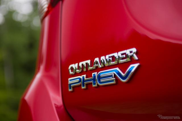 三菱はアウトランダーPHEVに次ぐPHEVを小型SUVで投入するという(アウトランダーPHEV)《撮影 太宰吉崇》