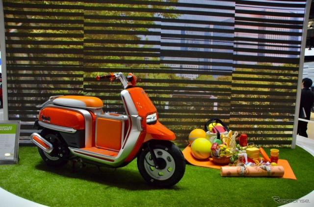 スズキのコンセプトモデル ハスラースクート(東京モーターショー15)《撮影 青木タカオ》