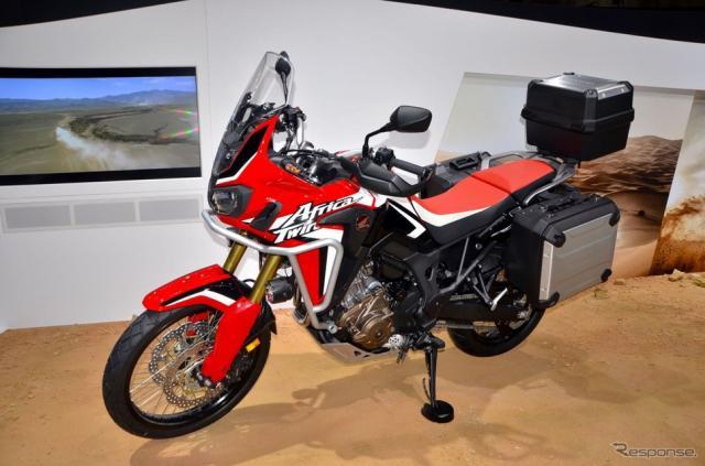 ホンダCRF1000L Africa Twin(東京モーターショー15)《撮影 青木タカオ》