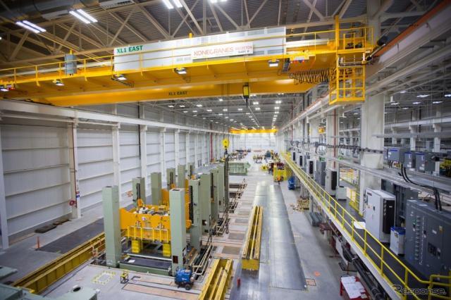 GMの米国ミシガン州ランシンググランドリバー工場に導入新たなプレス加工機