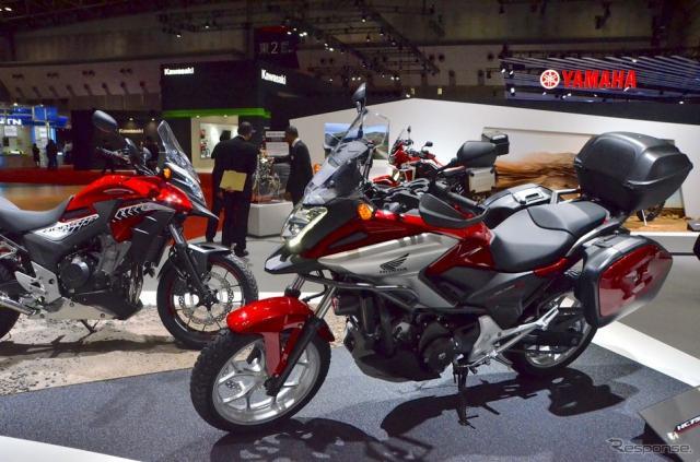 ホンダNC750Xと400X(東京モーターショー15)《撮影 青木タカオ》