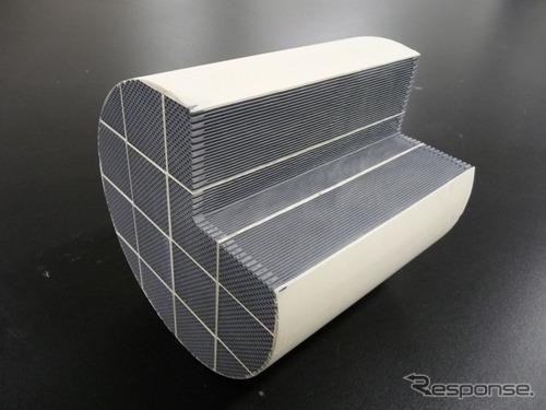 ディーゼル排ガス浄化用触媒(参考画像)《画像 パナソニック》