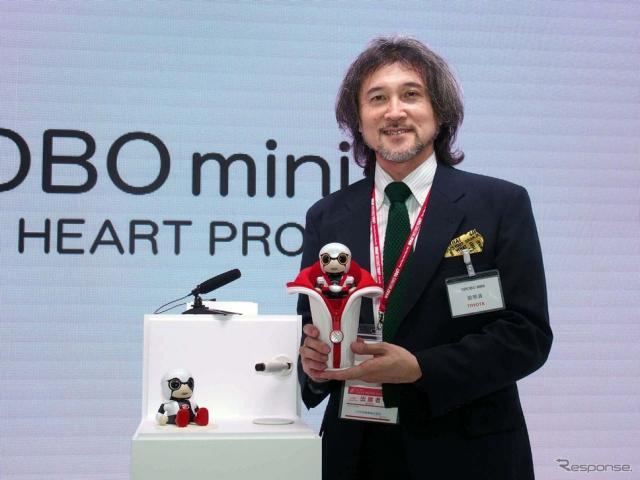 「KIROBO mini」の可能性について語る開発責任者の片山史憲氏《撮影 会田肇》
