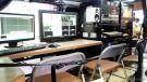 コスミックエンジニアリングのJ:COM向け放送事業用多用途車両「オートキャリー」(幕張メッセ、11月18〜20日)《撮影 大野雅人(Gazin Airlines)》