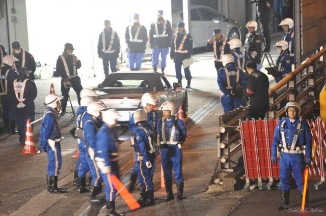 警視庁と国土交通省による不正改造車等に対する取締り(1日・中央区)《撮影 中島みなみ》