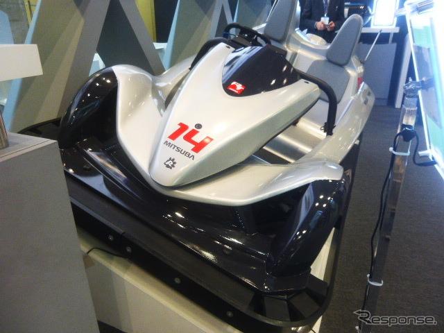 東京アールアンドデーブースに展示された鈴鹿サーキット新アトラクション用EVマシン(電動カート)「Circuit Challenger」(オートモーティブワールド2016/東京ビッグサイト/2016年1月13日)《撮影 大野雅人(Gazin Ailines)》