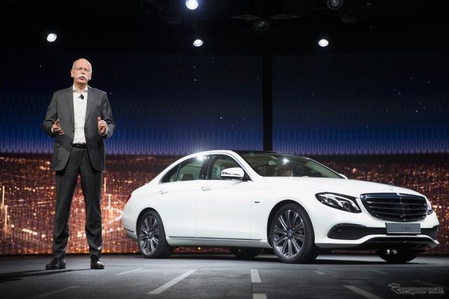 新型Eクラスセダンを発表したメルセデスベンツ(デトロイトモーターショー15)《写真 Getty Images》