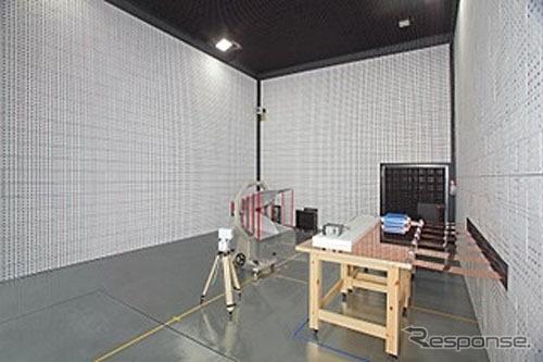 車載機器用の電波暗室
