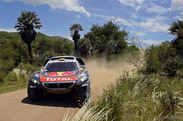 優勝したペテランセル組のプジョー2008 DKR。写真:Red Bull