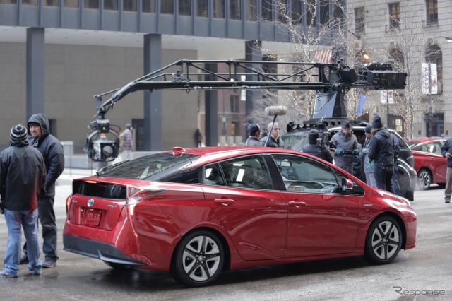 新型トヨタプリウスの米スーパーボウルCM撮影の様子