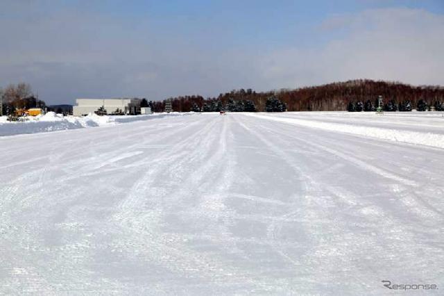 横浜ゴム 北海道タイヤテストセンターの総合圧雪路