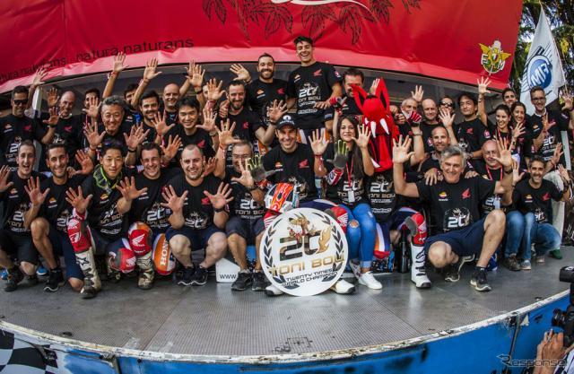 トニー・ボウとチームメンバー(イタリアGP)