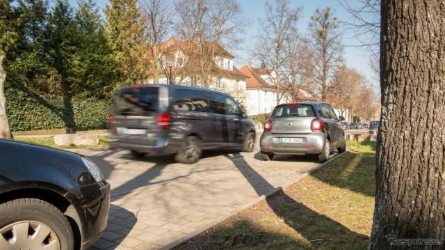 ボッシュとメルセデスが空き駐車スペースへの誘導サービスの試験運用を開始