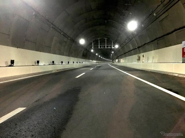横浜北トンネル《撮影 吉田凌》