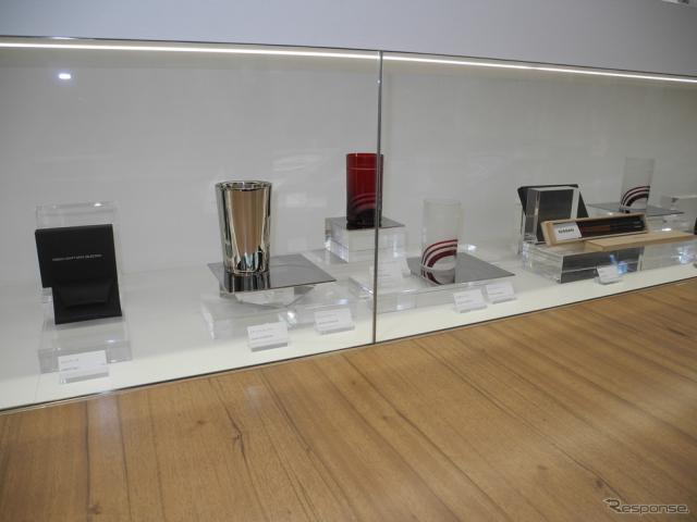ニッサン クロッシングの限定商品である「クラフトアーツコレクション」《撮影 山田清志》
