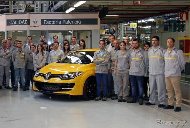 現行ルノーメガーヌのルノースポールの最終モデルがスペイン・パレンシア工場からラインオフ