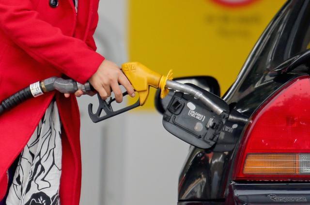 ガソリン給油(参考画像)《写真 Getty Images》
