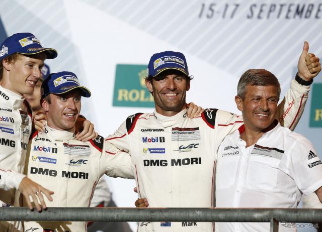 今季限りでの引退を発表したウェーバー(中央)。写真:Porsche