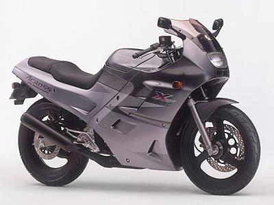 http://cdn.autos.goo.ne.jp/protoucar/newbike/1030006_00_1993_10.jpg