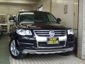 フォルクスワーゲン VW トゥアレグ V6CDCエアサス1オーナ黒本革純ナビSBカメラETC