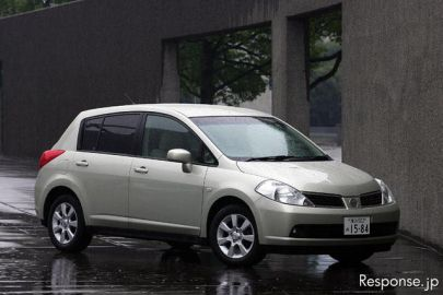 【インプレ'04】小沢コージ 日産『ティーダ』 やっと出たマトモな小さい高級車