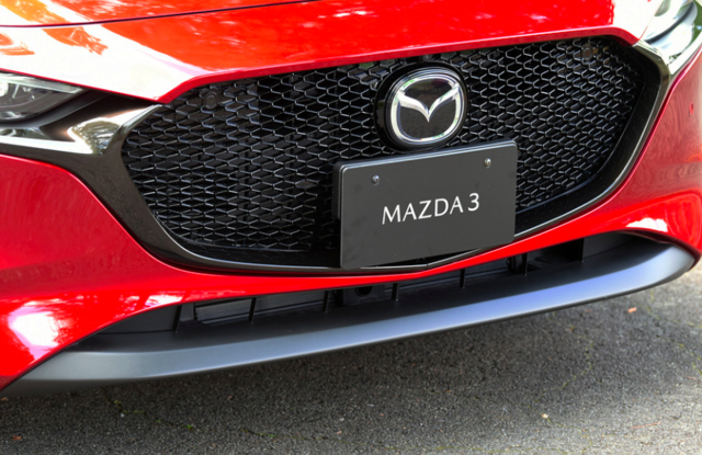 マツダ3ファストバックはハンドリングが良い!?デザインの良さと上質さが魅力