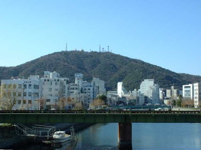 File:Mt Bizan&Shimmachi-river.jpg - Wikimedia Commons (36396)