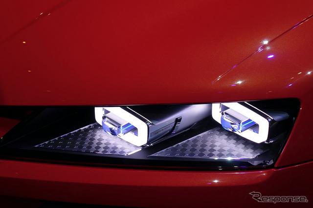 LEDライトの2〜3倍もの明るさを発揮するレーザーライト(参考画像)