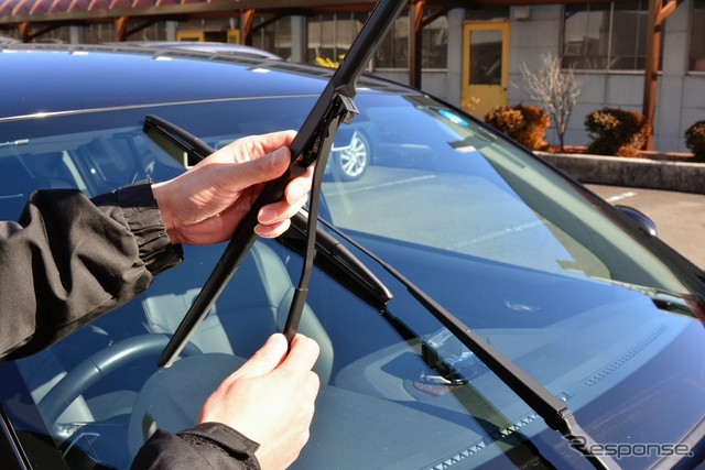 車のワイパー、年1回交換がおすすめの理由…1年で拭く面積は東京ドーム7個分《撮影 稲葉九》