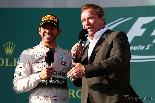 F1 オーストラリアGP表彰式後にA.シュワルツェネッガー氏が登場《画像 Getty Images》