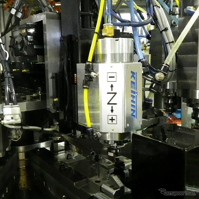 小型・高速・高精度を廉価で実現した切削機
