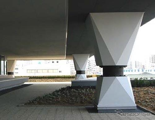 東洋ゴム タイヤ技術センターに設置されている免震ゴム(資料画像)