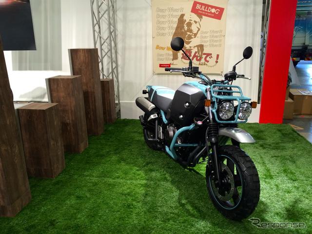 【東京モーターサイクルショー15】ブルドッグ など出展のホンダブースに注目《撮影 青木タカオ》