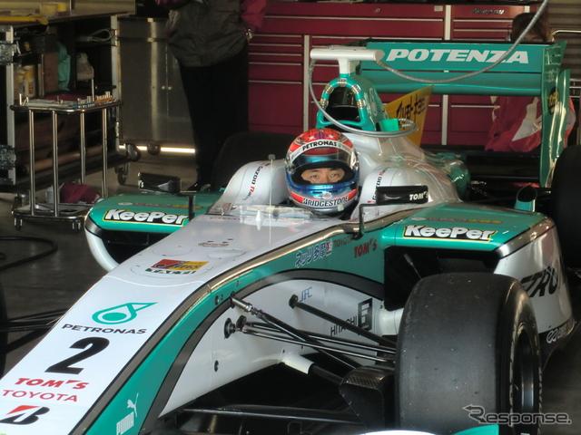 レギュラードライバー不在のTOM'S、松田次生が#2に搭乗してデータ取りを行なった。